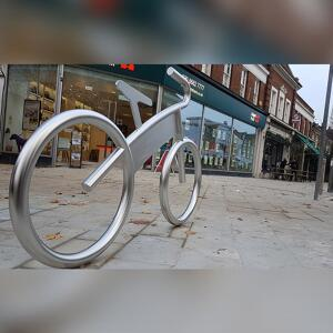Side view of Bike Shaped Cycle Stand By Kent