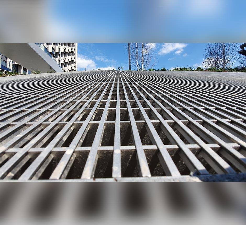 Kent's man access ventilation grille