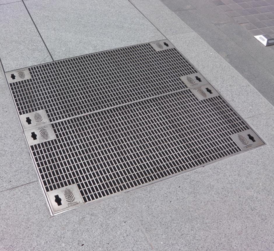 Closeup of Kent's multi vent grille