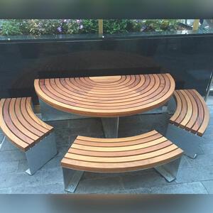 Kents curved Greenwich picnic set