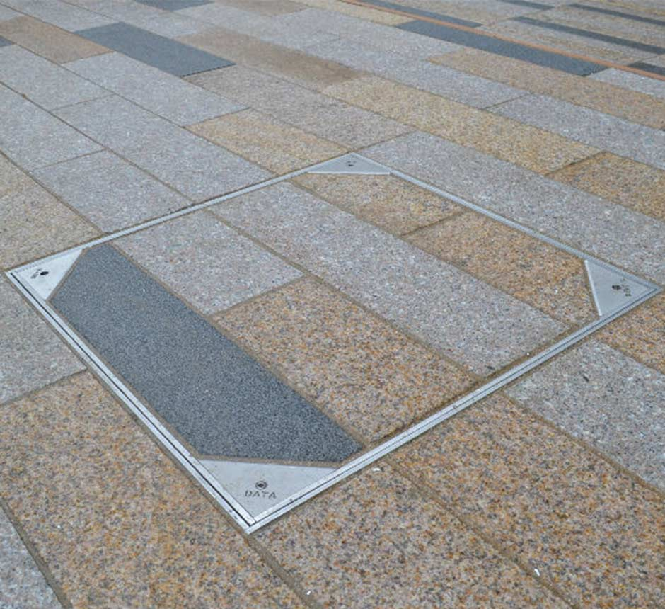Kent's Solo Paver in use