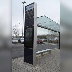 Side view of Kents RTPI touchscreen totem